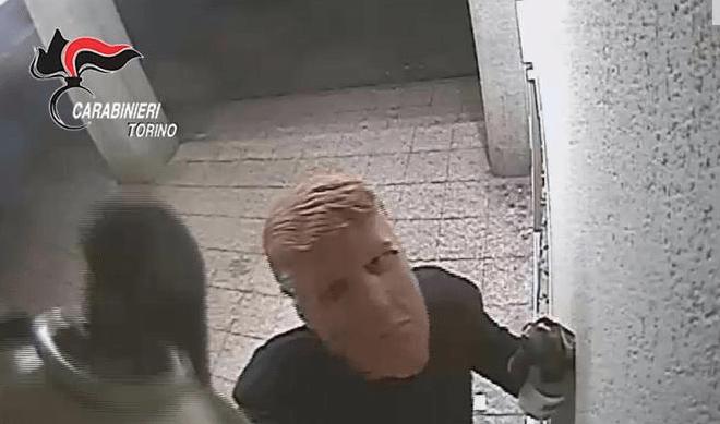 Las imágenes de los ladrones fueron difundidas por la Policía italiana