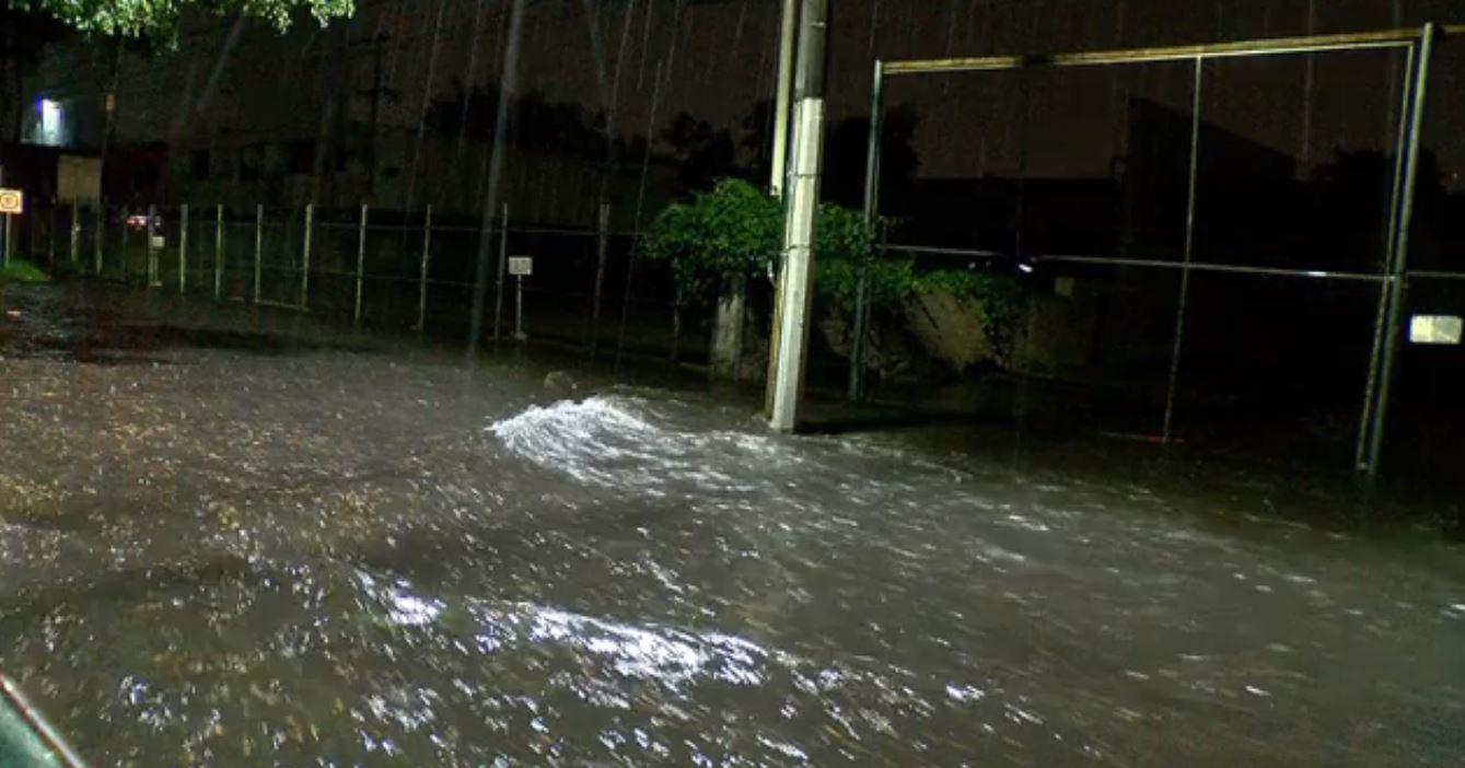 Lluvias en Zapopan, Jalisco, causa afectaciones