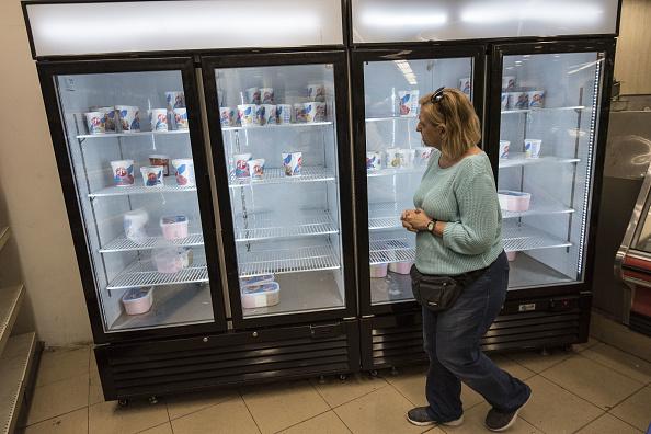 Los venezolanos sufren desabasto de diferentes suministros