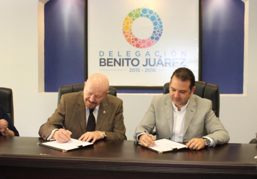 Manuel Mondragón firma convenio de colaboración con el jefe delegacional en Benito Juárez, Christian von Roehrich. (Twitter Conadic)