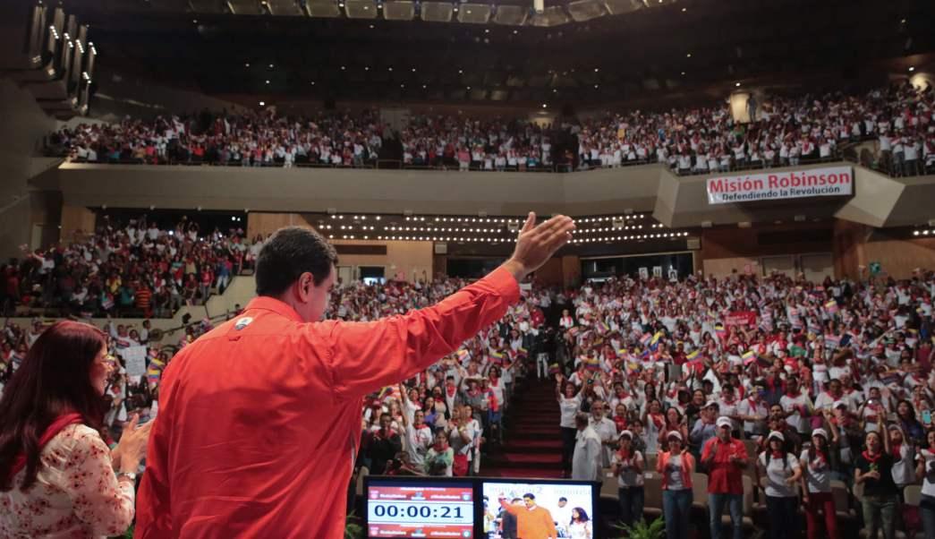 Nicolás Maduro encabeza mitin de seguidores en Caracas