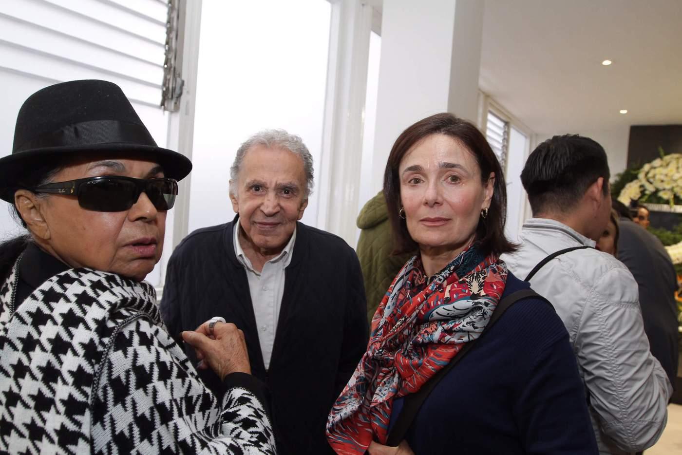 La actriz Nuria Bages en funeral de Luis Gimeno