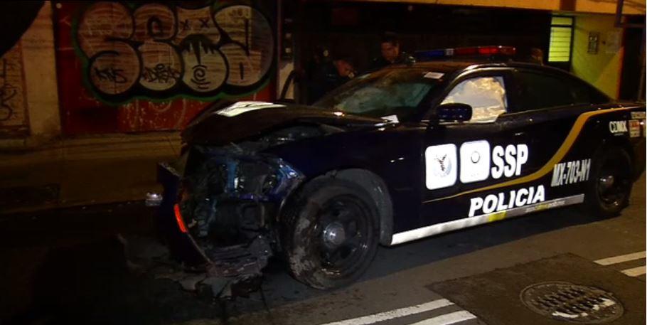 policías resultan heridos tras el choque de patrulla en Iztacalco