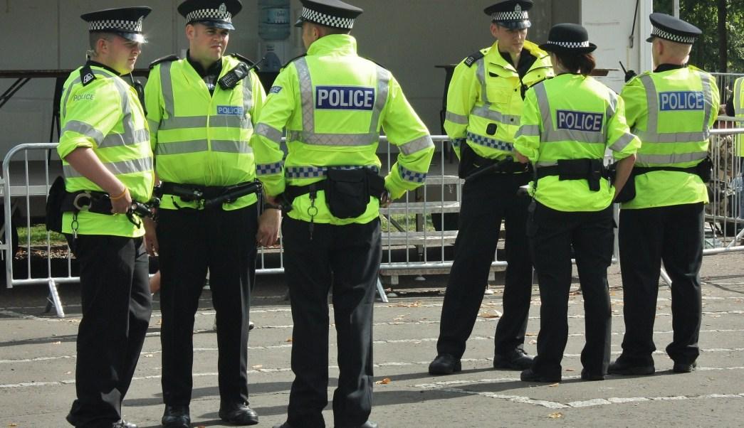 dos violadores, niña 15 años, abuso sexual, Birmingham