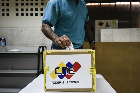 Oposición venezolana inscribirá candidatos para elecciones regionales