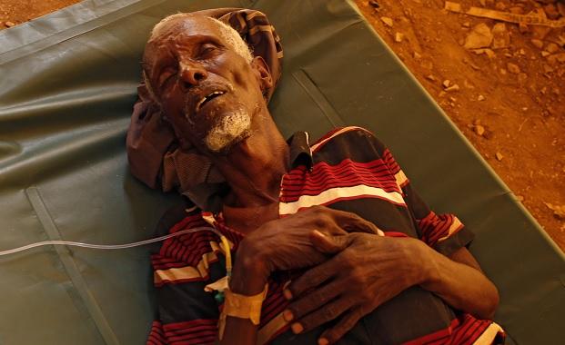 Nuevos informes revelan miles de casos de cólera y cientos de muertes en Somalia (AP)