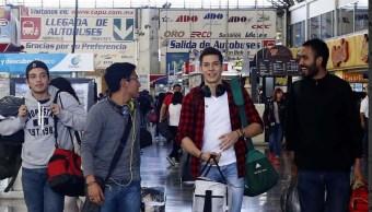 SCT extiende descuento transporte estudiantes maestros