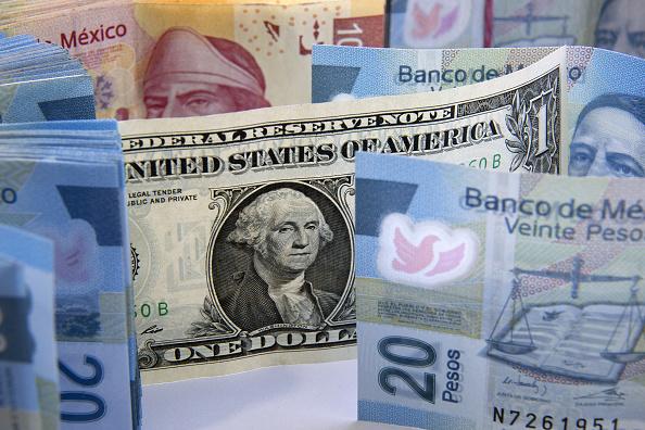 Analistas anticipan que el dólar cerrar el año por debajo de los 19 pesos