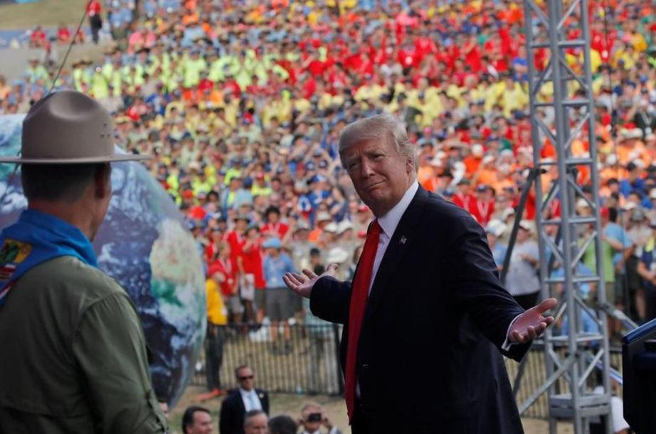 Trump es criticado por dar discurso político a Boy Scouts