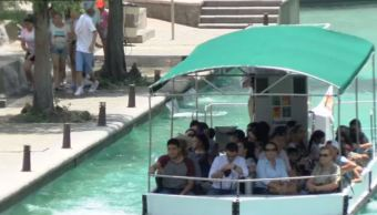 Regios colman los centros recreativos de la zona metropolitana