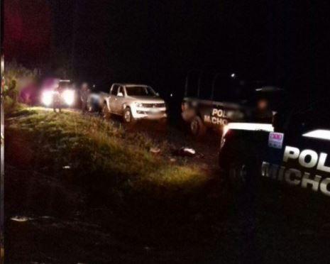 Policías de Michoacán aseguran vehiculos tras enfrentamiento
