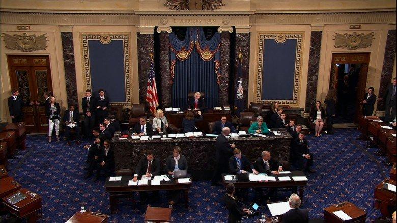 Senado de Estados Unidos renueva el programa de espionaje a extranjeros