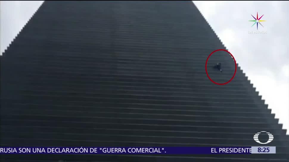 Spiderman Cdmx Escala Edificio Polanco