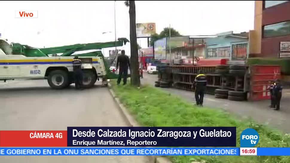 Vuelca tráiler carriles laterales Calzada Zaragoza
