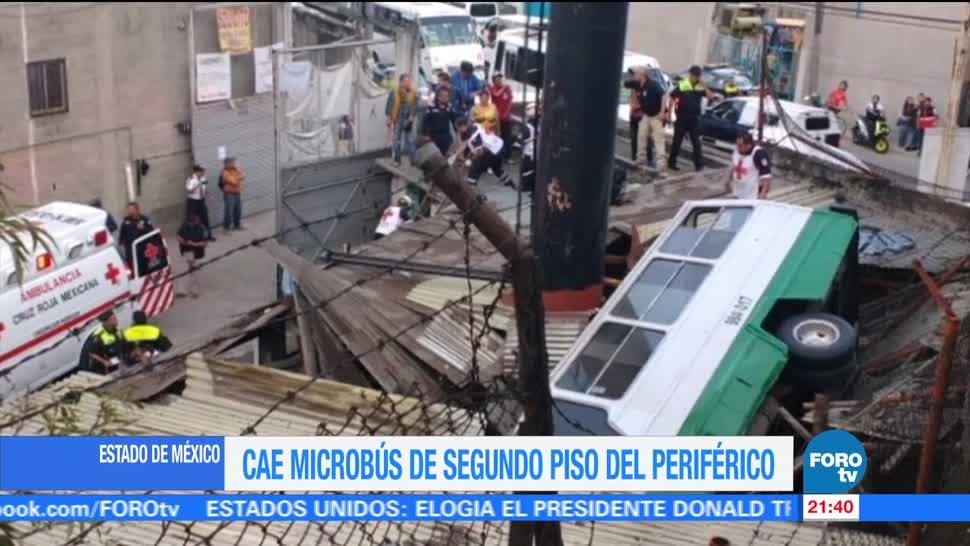 Microbús cae del Periférico en el Estado de México