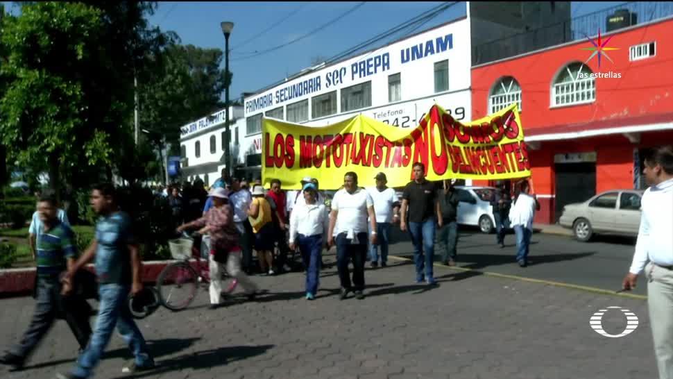 Protestan Cientos mototaxistas en delegación Tláhuac