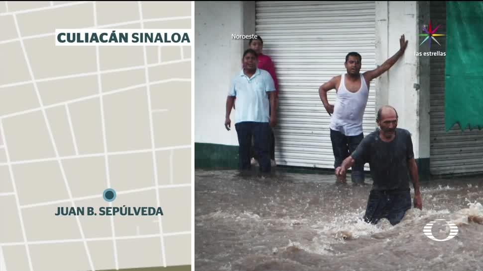 Corriente arrastra hombre calles de Culiacán