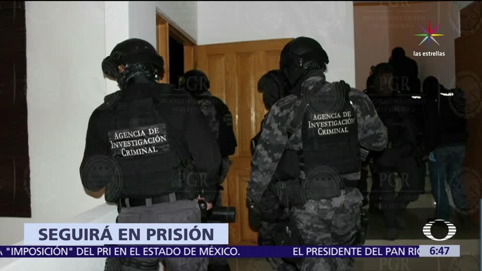 Vinculan, Nahum Sicairos, El Quinceañero, delitos