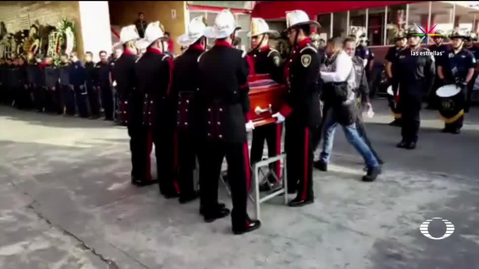 Homenaje a bombero fallecido durante un rescate en la CDMX