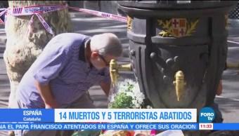 Rinden Homenaje Victimas Barcelona Miles Personas