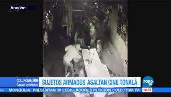 Sujetos armados asaltan cine Tonalá Roma