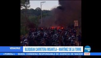 Bloquean, carretera, Misantla, Martínez