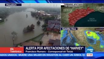 Miles Buscan Refugios Inundaciones Harvey Texas