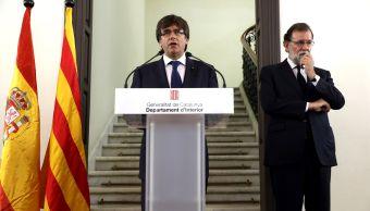 Rajoy y Puigdemont aseguran coordinación tras atentados en Cataluña