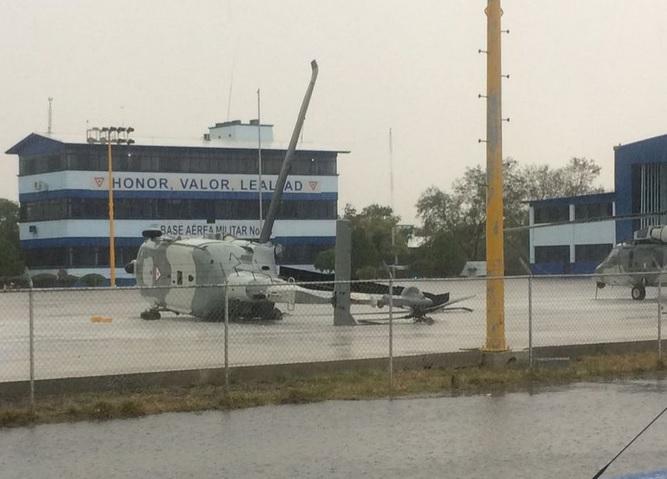 Lluvia en NL afecta aeropuerto de Apodaca Monterrey