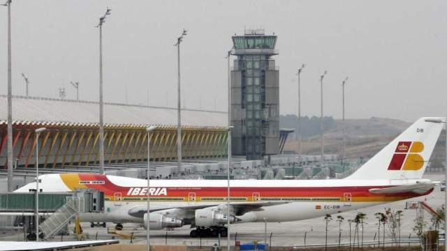 FOTO: Reabren aeropuerto de Madrid tras cierre temporal por presencia de drones, el 03 de febrero de 2020