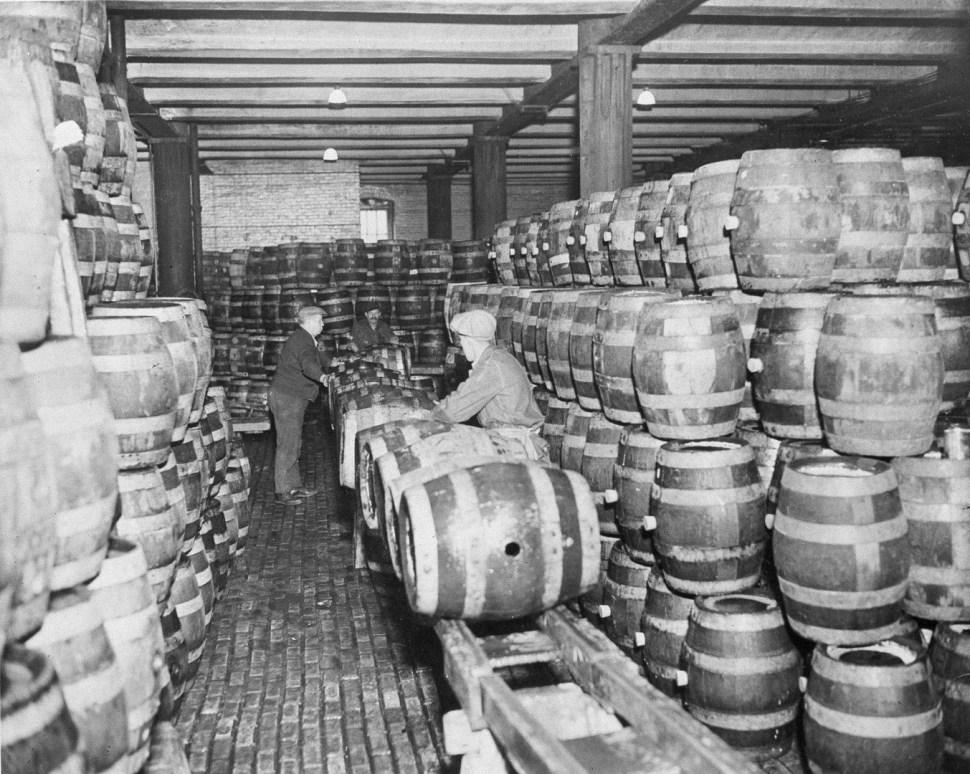 alemanes decian que cerveza debia elaborar con ingrediantes