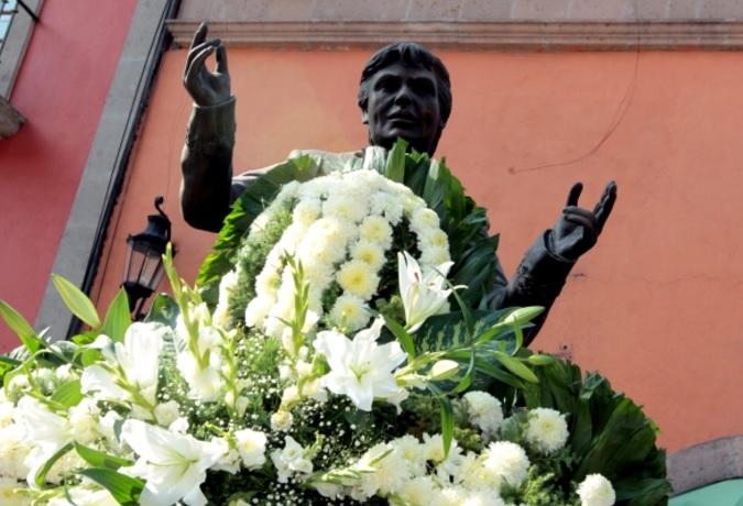 Recordarán a Juan Gabriel a un año de su muerte en Plaza Garibaldi