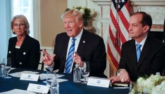 Trump advierte que si líder norcoreano ataca Guam, 'se arrepentirá'