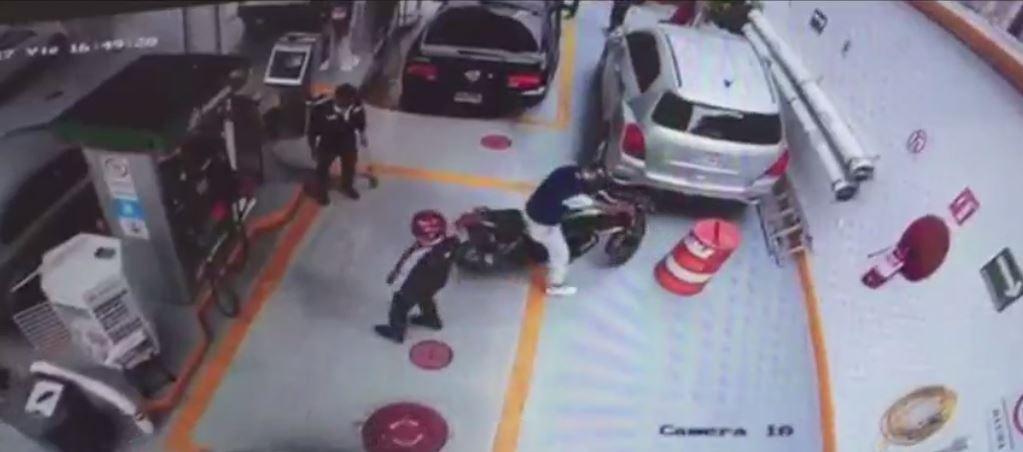 persecucion detienen dos asaltantes gasolinera CDMX