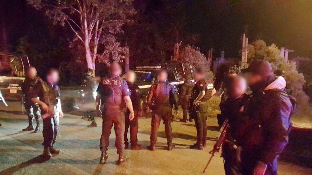 Aseguran a dos personas y una pipa con reporte de robo en Pátzcuaro, Michoacán
