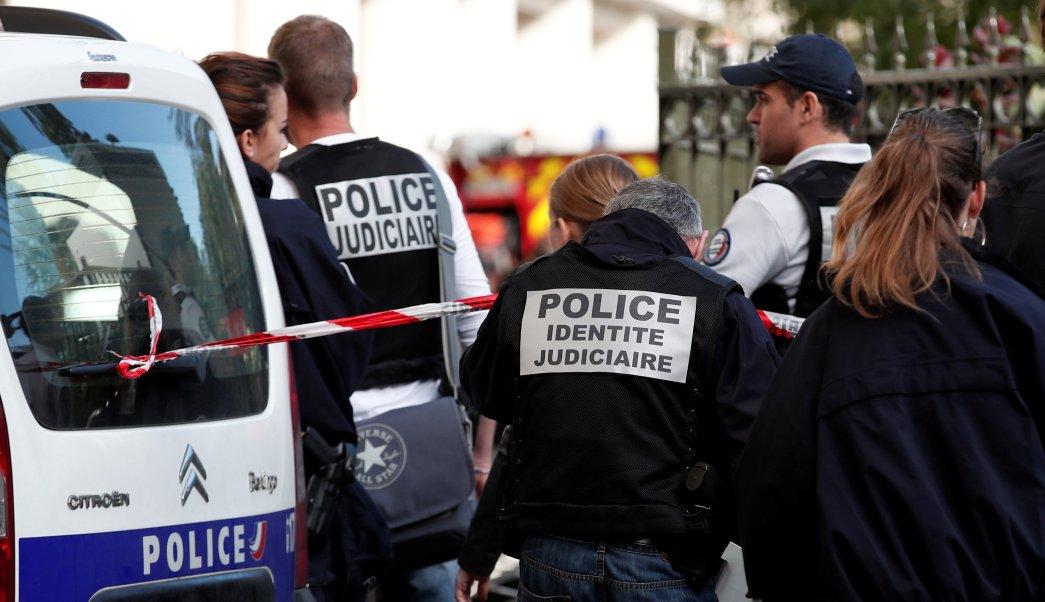 vehiculo atropella militares levallois perret Francia