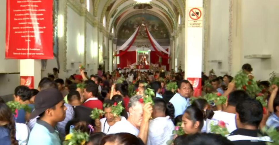 Celebran tradicional baile del ocoxuchil en Quechultenango, Guerrero
