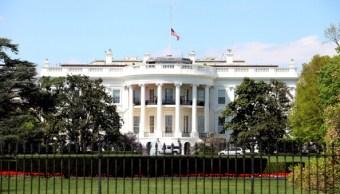 En la Casa Blanca hay un complot contra Trump: Scaramucci