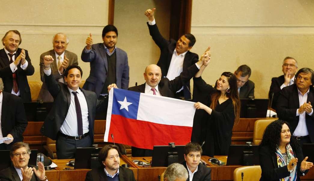 Congreso de Chile aprueba ley que despenaliza el aborto