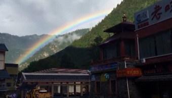 Aparece gran arcoíris después de sismos en China