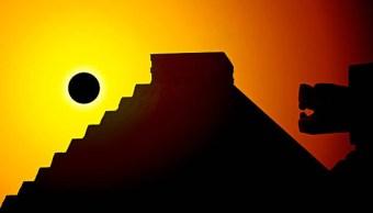 el eclipse mayas conflicto luna y sol