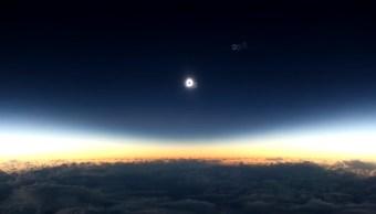 Avión de Alaska Airlines dará seguimiento al eclipse solar del lunes