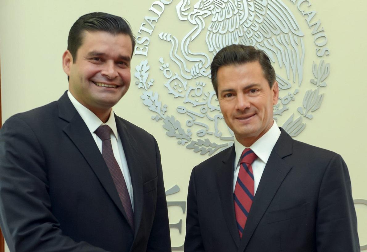 Ofrece Peña a gobernadores electos de Edomex y Nayarit trabajar juntos