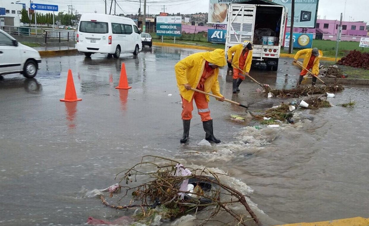 Franklin se degrada en tierra de México a tormenta tropical