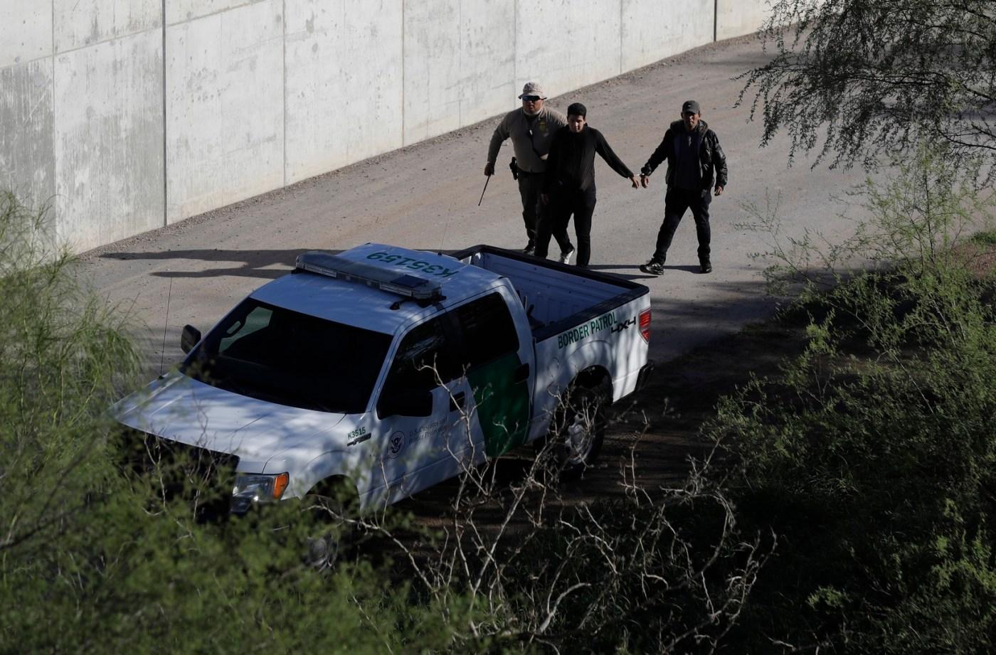 Gobierno de Trump ignorará leyes ambientales para construir muro fronterizo con México. (AP, Archivo)