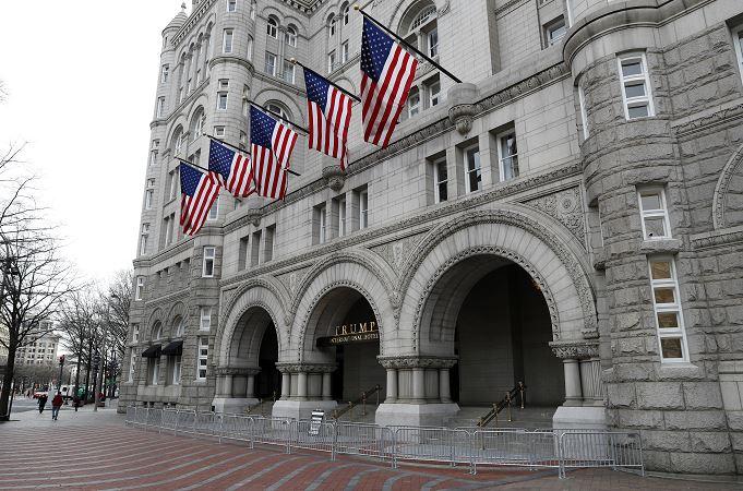 Hotel de Trump en Washington gana 2 mdd en cuatro meses