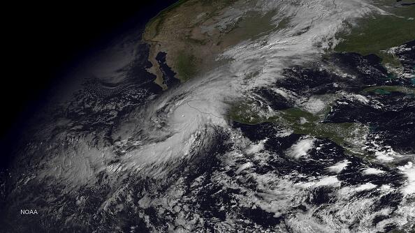 Medidas preventivas paso huracán clima océanos