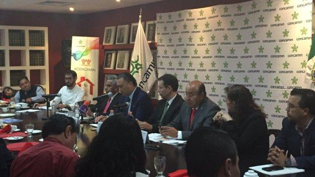 Integrantes de la Concamin en conferencia de prensa