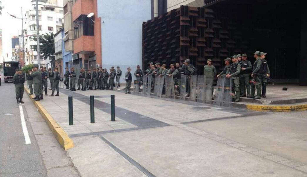 Luisa Ortega denuncia asedio militar en sede de Fiscalía en Caracas