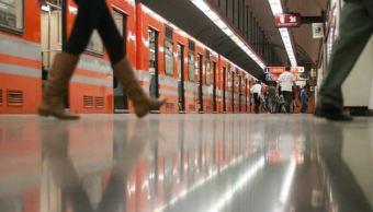 Muere mujer empujada vías Metro CDMX
